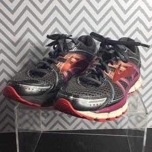 Brooks GTS 17 Running Shoes